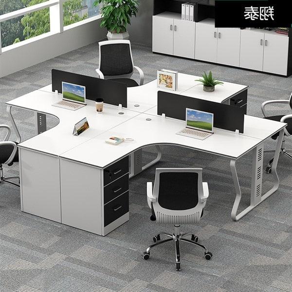 Thanh lý bàn ghế văn phòng với hai loại gỗ công nghiệp phổ biến nhất