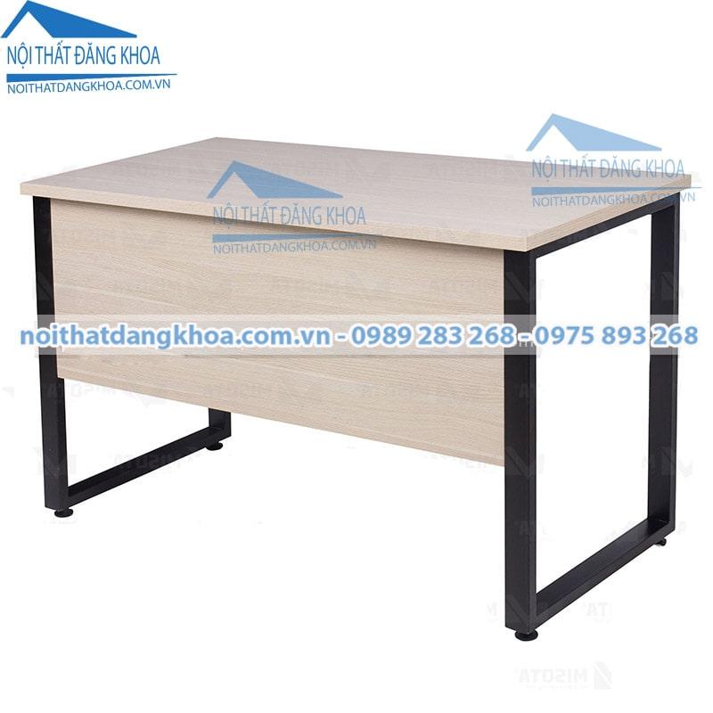 Thiết kế bàn làm việc theo màu chủ đạo của công ty